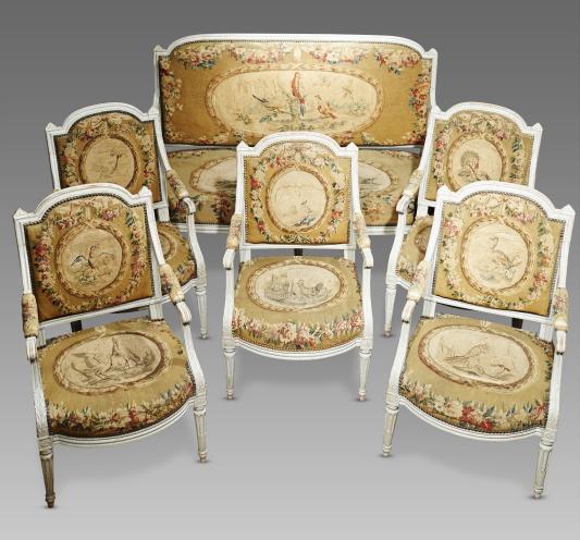 Suite de 5 fauteuils d 39 poque louis xvi en tapisserie d 39 aubusson galerie linossier for Model fauteuille salon louis14
